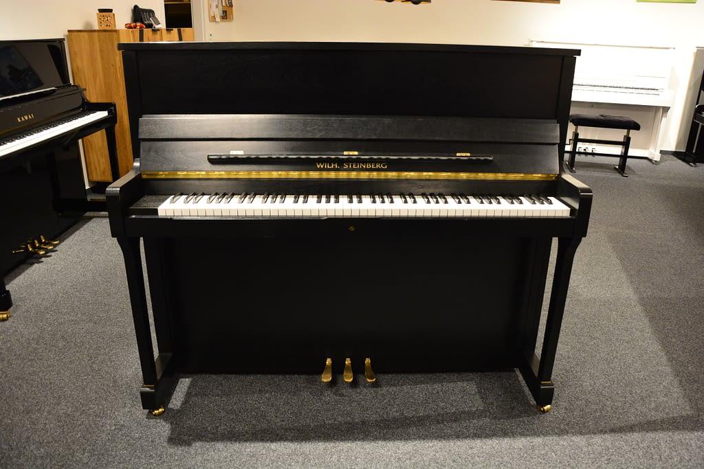 Steinberg Klavier, schwarz