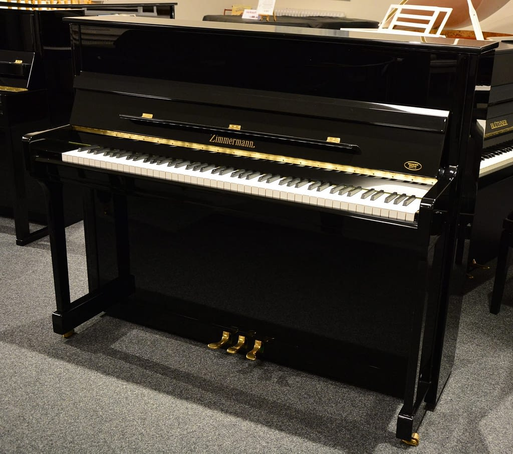 Zimmermann Klavier, schwarz poliert