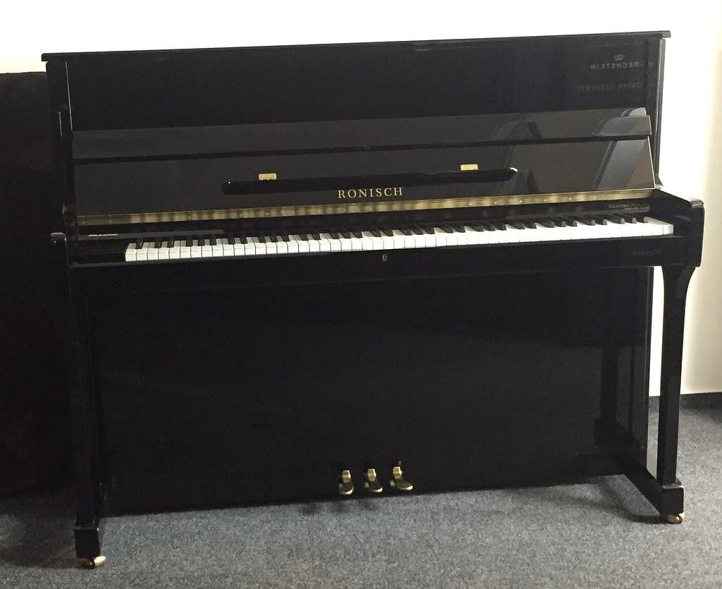 schwarzes Rönisch Klavier