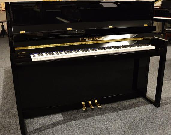 Blüthner Haessler Klavier schwarz