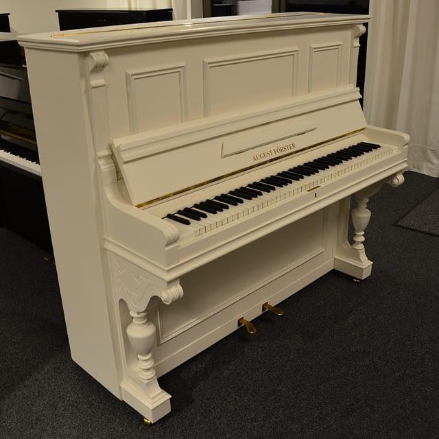 Förster Klavier, weiß Standort Oldenburg